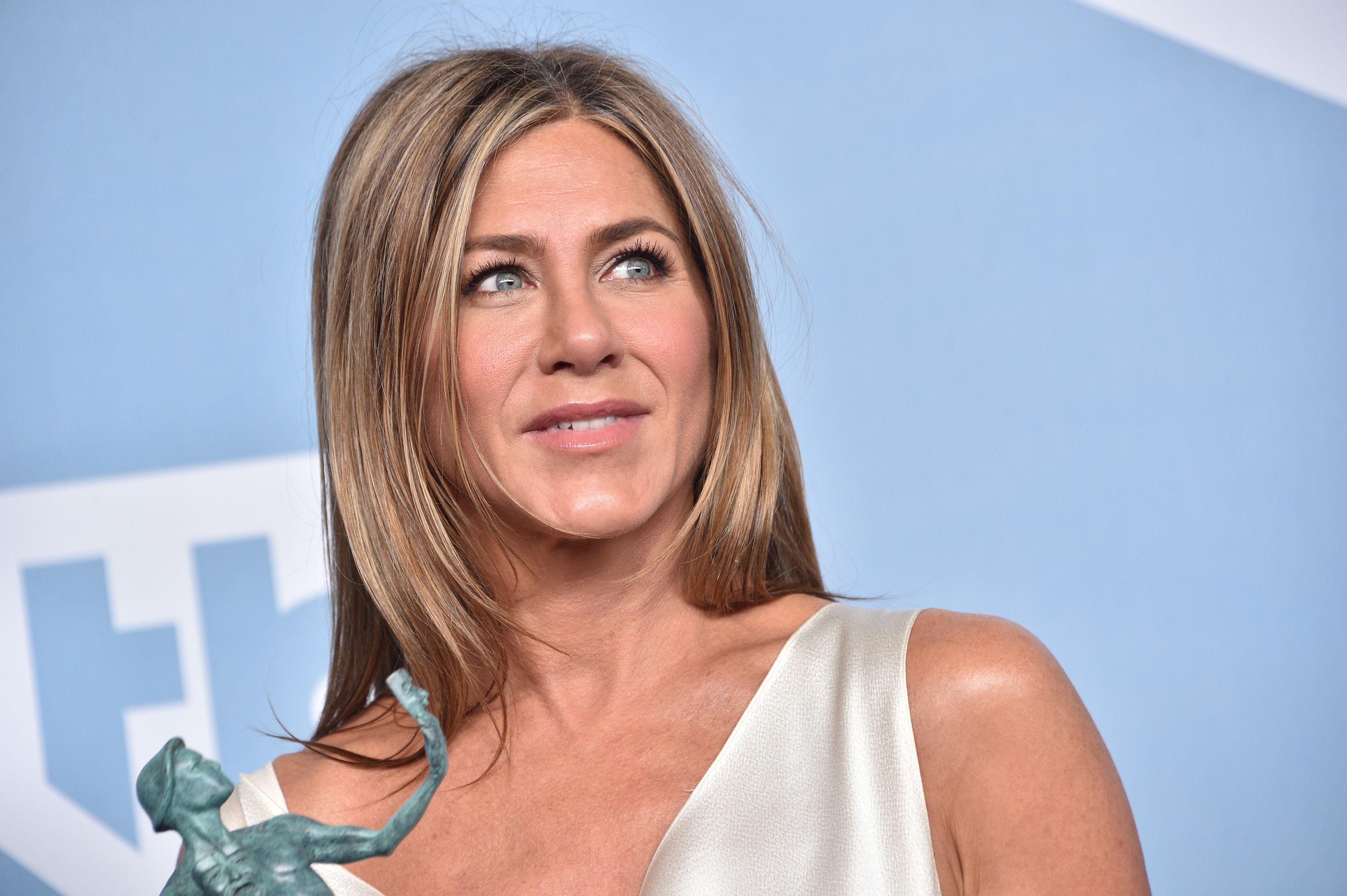 9 Beauty Tips Jennifer Aniston Follows To Make 9 Look 9