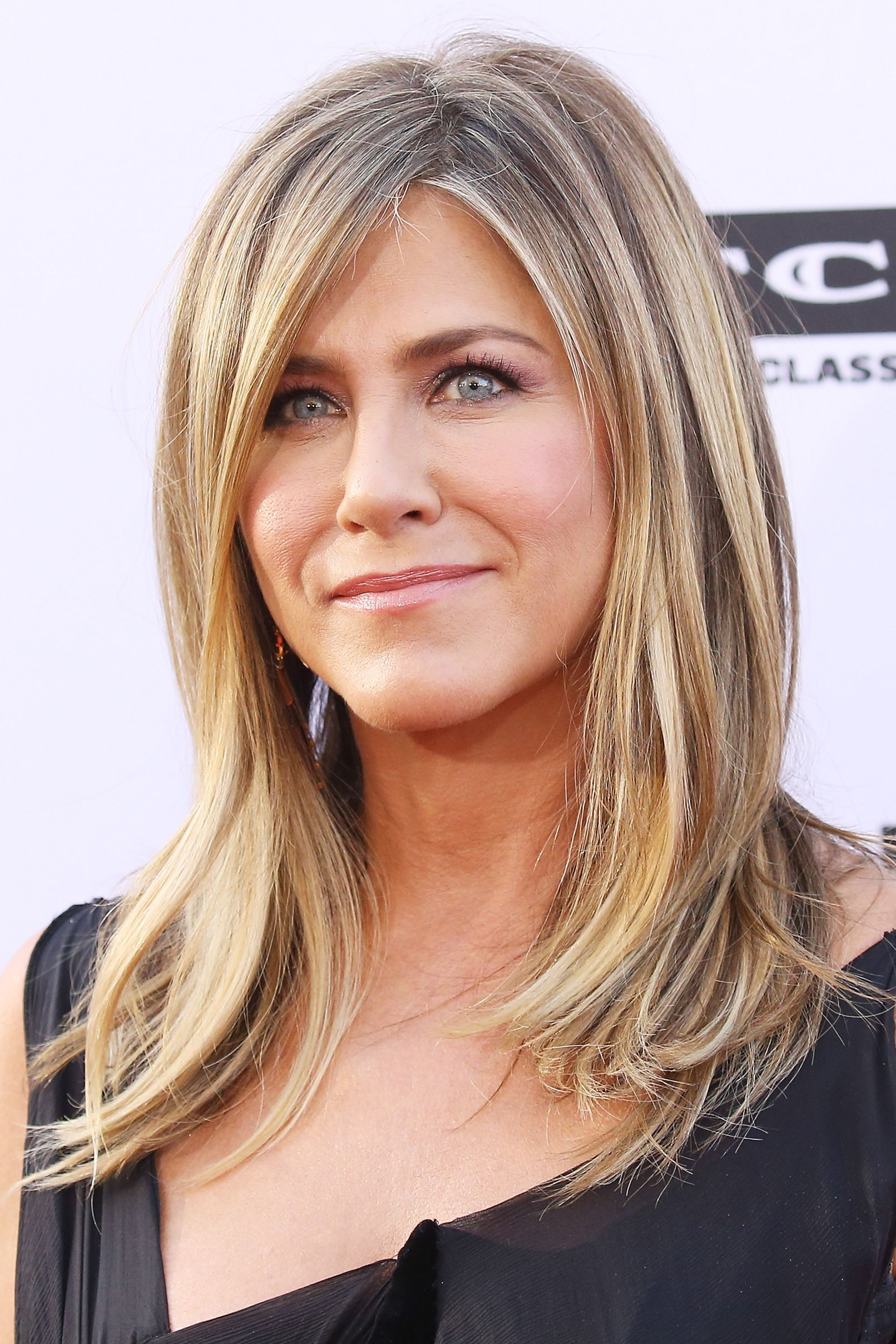 Jennifer Aniston hair transformation