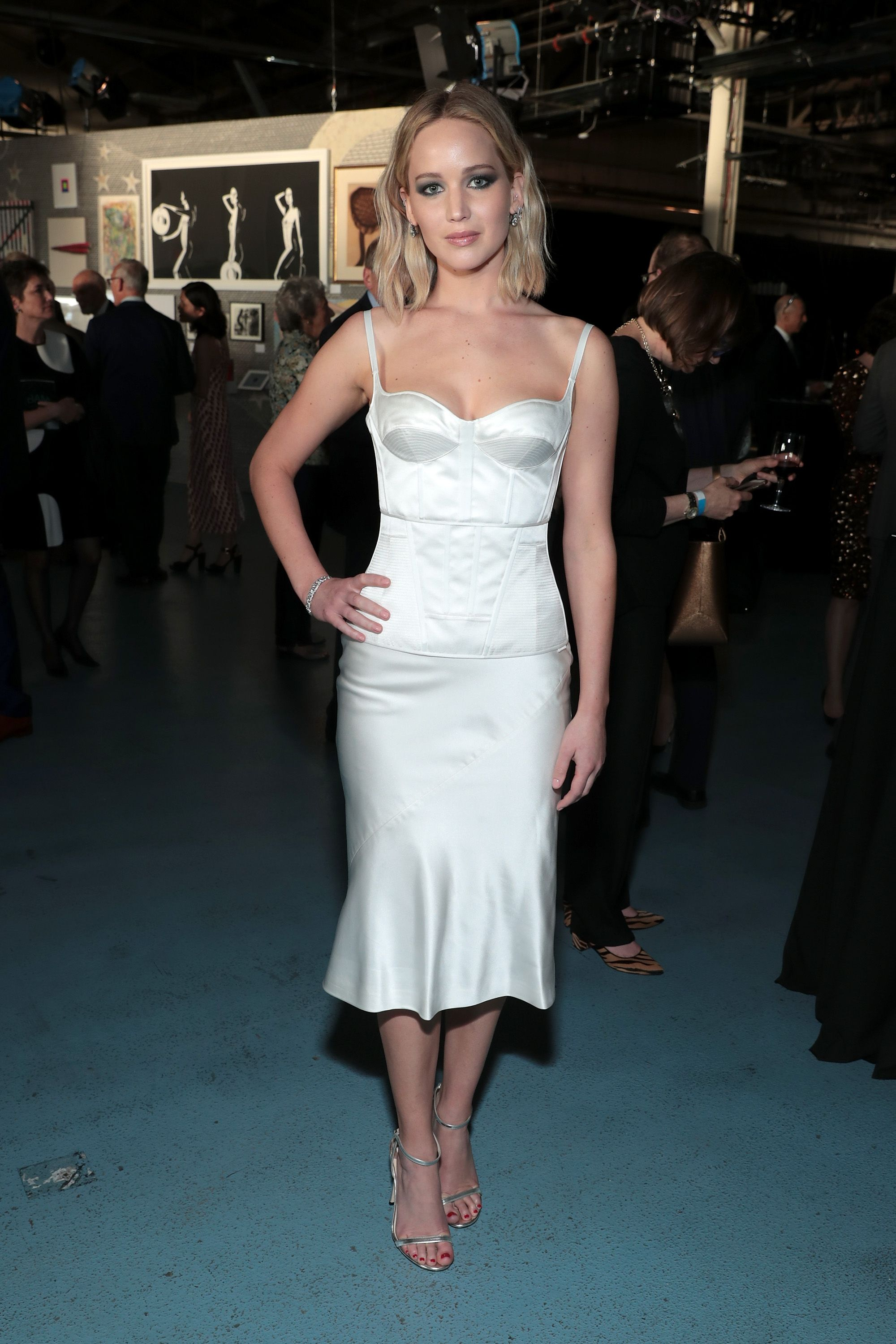 Jennifer Lawrence S Dior Wedding Gown Had Its Own Hotel Room