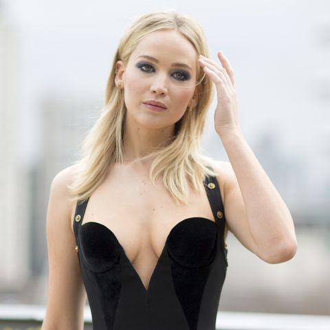 Why Jennifer Lawrence S Engagement Ring Has Different