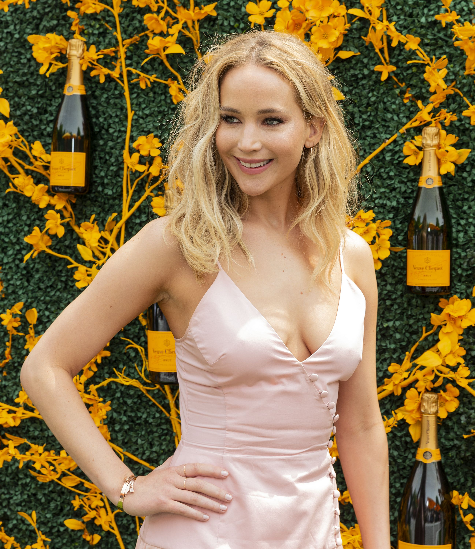 Jennifer Lawrence and Cooke Maroney Fuel Wedding Rumors With NYC Marriage Bureau Visit