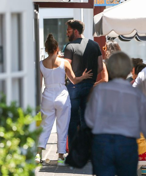ben affleck and jennifer lopez showing pda in los angeles