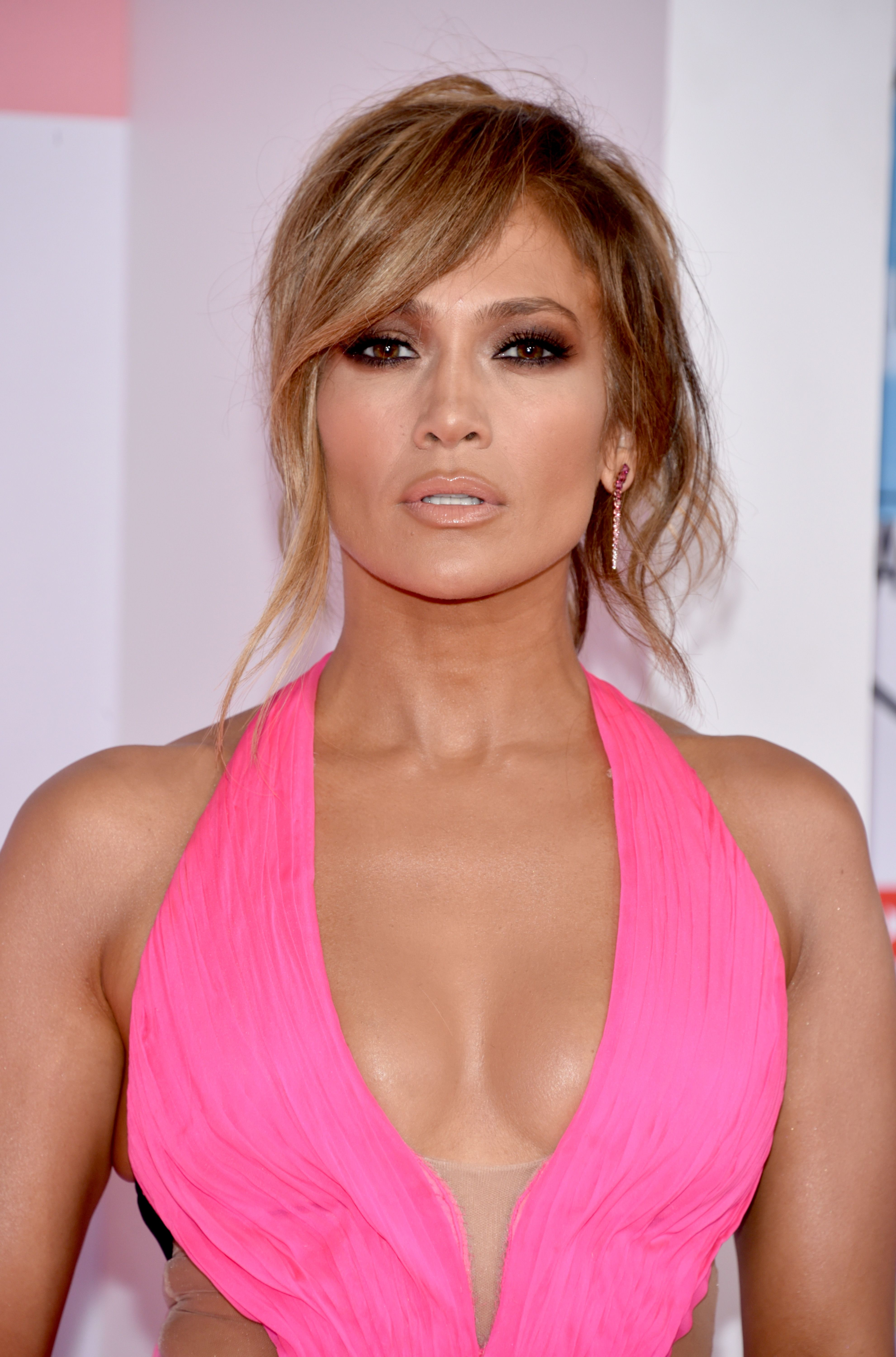 Jennifer Lopez Says Her Body Is The Result Of No Caffeine, No Alcohol, And  Lifting Weights. ""
