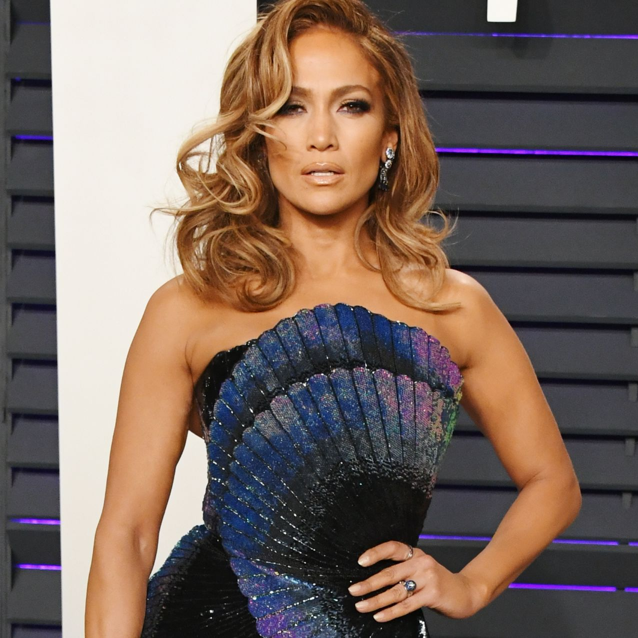 J.Lo Shows Off Abs In New Instagram Post And They Look Incredible