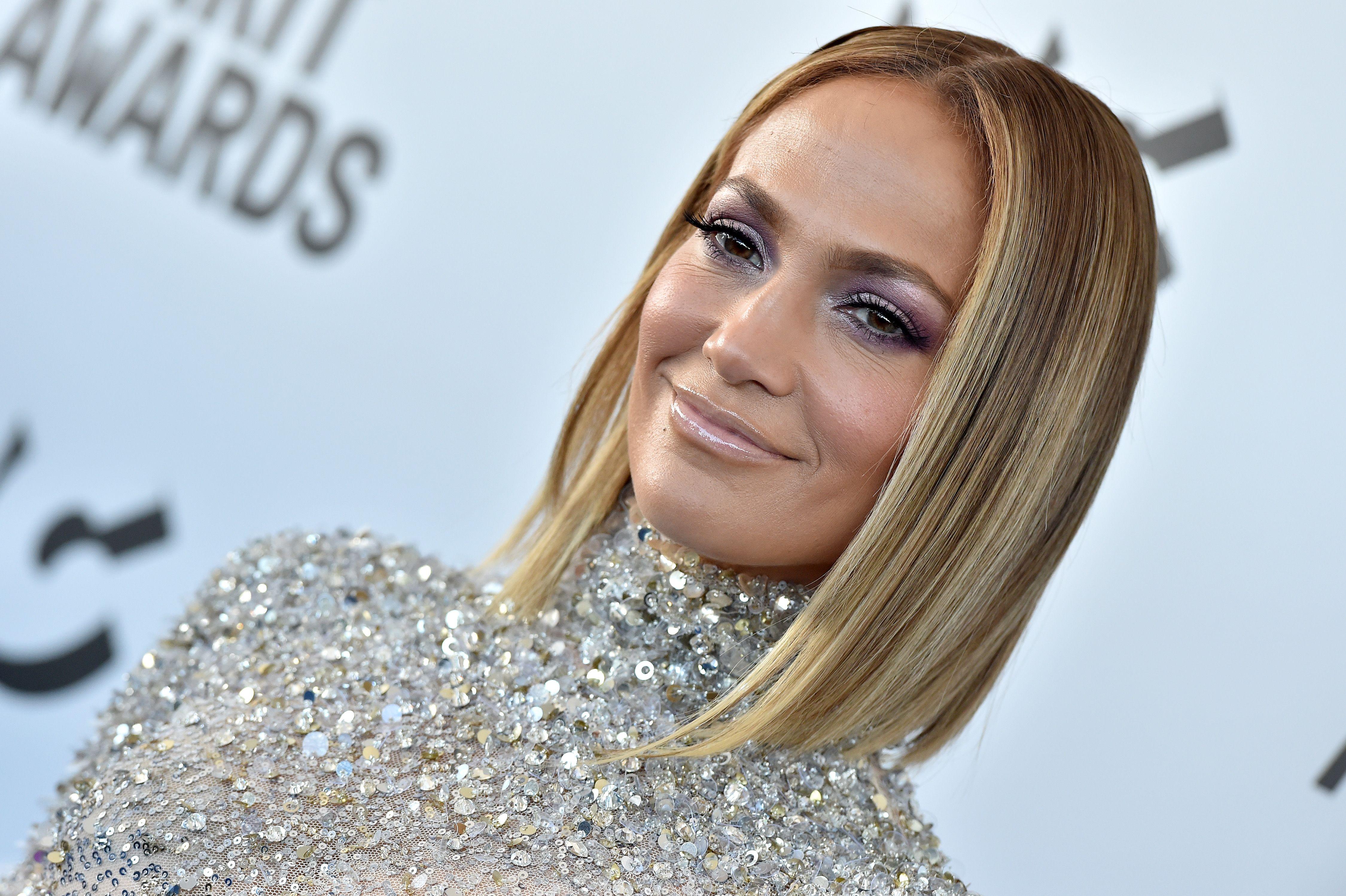 Jennifer Lopez S Bob Haircut 2020 Film Independent Spirit Awards