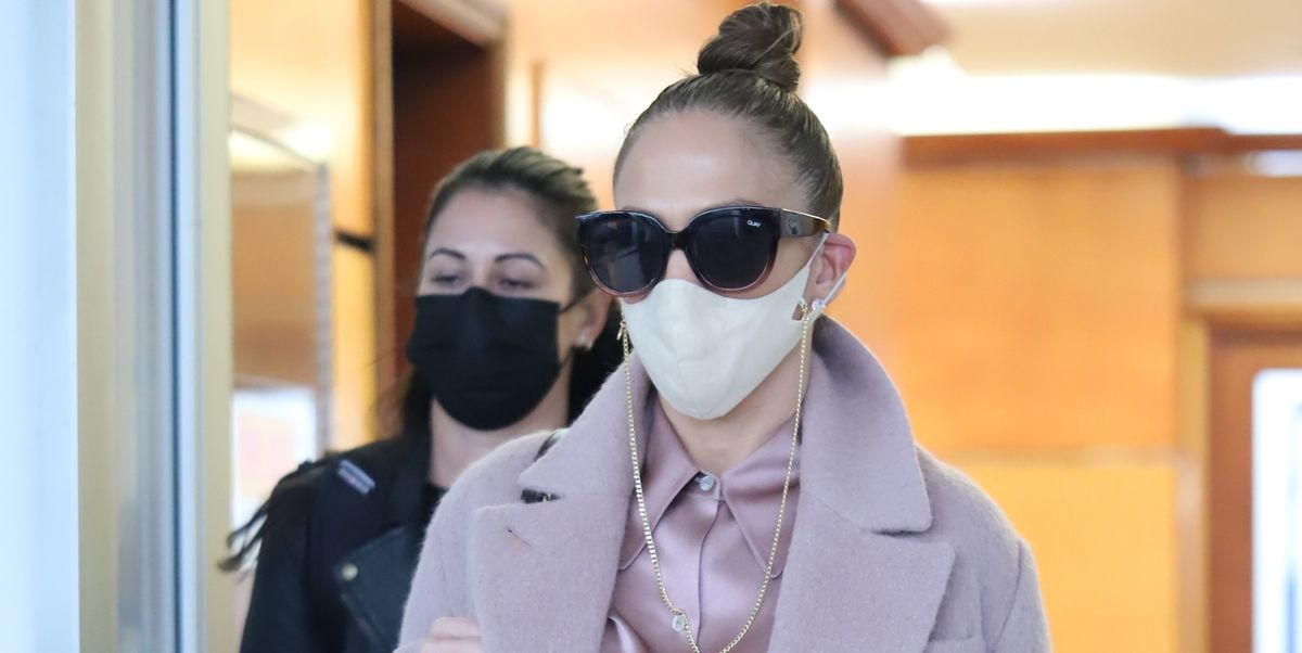 Jennifer Lopez Shows How to Wear All Pink in Winter