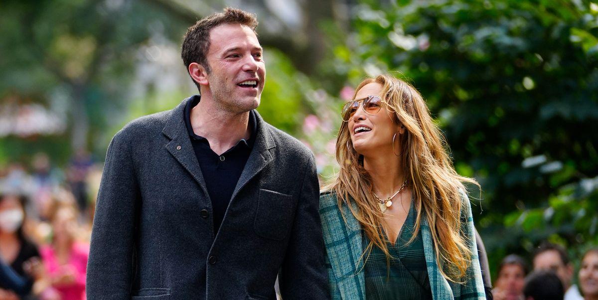 Jennifer Lopez se entrega a los cuadros, abrigo y vestido, en su paseo con Ben Affleck