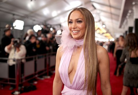 Red carpet, Hair, Face, Carpet, Beauty, Blond, Flooring, Fashion, Hairstyle, Smile,