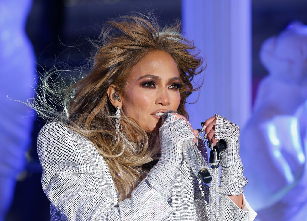 All Of Jennifer Lopez S Husbands Fiances And Boyfriends Listed