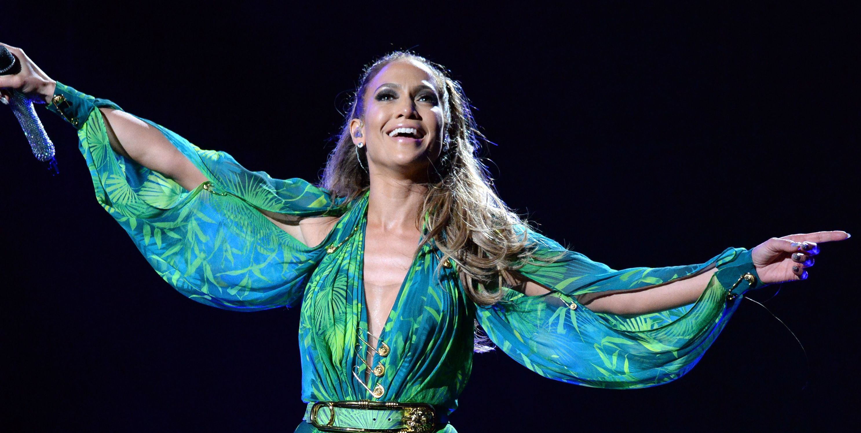 Y'All, Twitter Is Coming for Jennifer Lopez's Motown Tribute