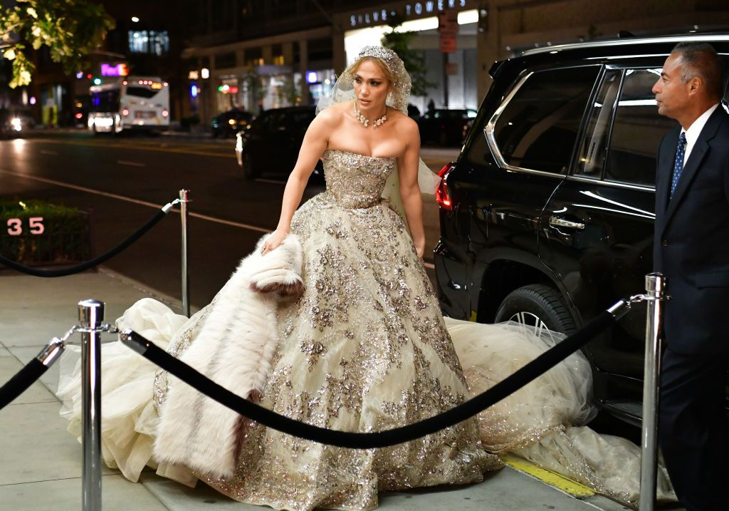 Jennifer Lopez Was Spotted Wearing A Wedding Dress And Her Arms Look Super Toned