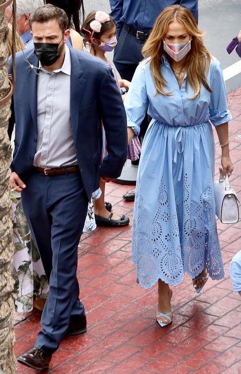 jennifer lopez with valentino's light blue dress with ben affleck