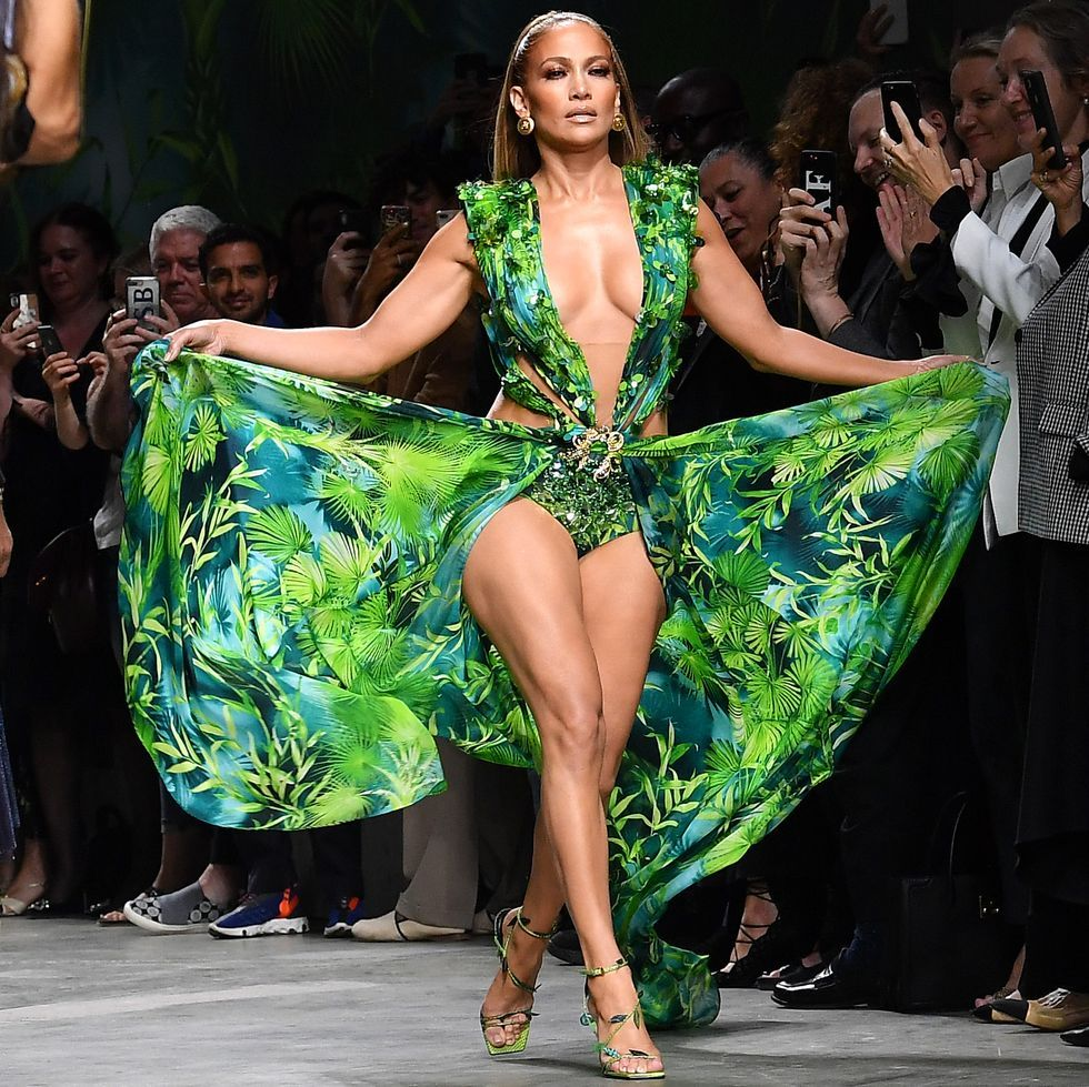 Jennifer Lopez Just Showed Off Her Toned Legs And Abs In That Iconic Versace Gown