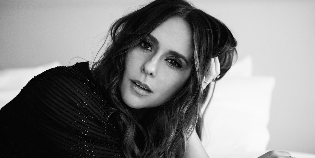 Jennifer Love Hewitt Wondered If There Was Something More, So She Went Looking for It