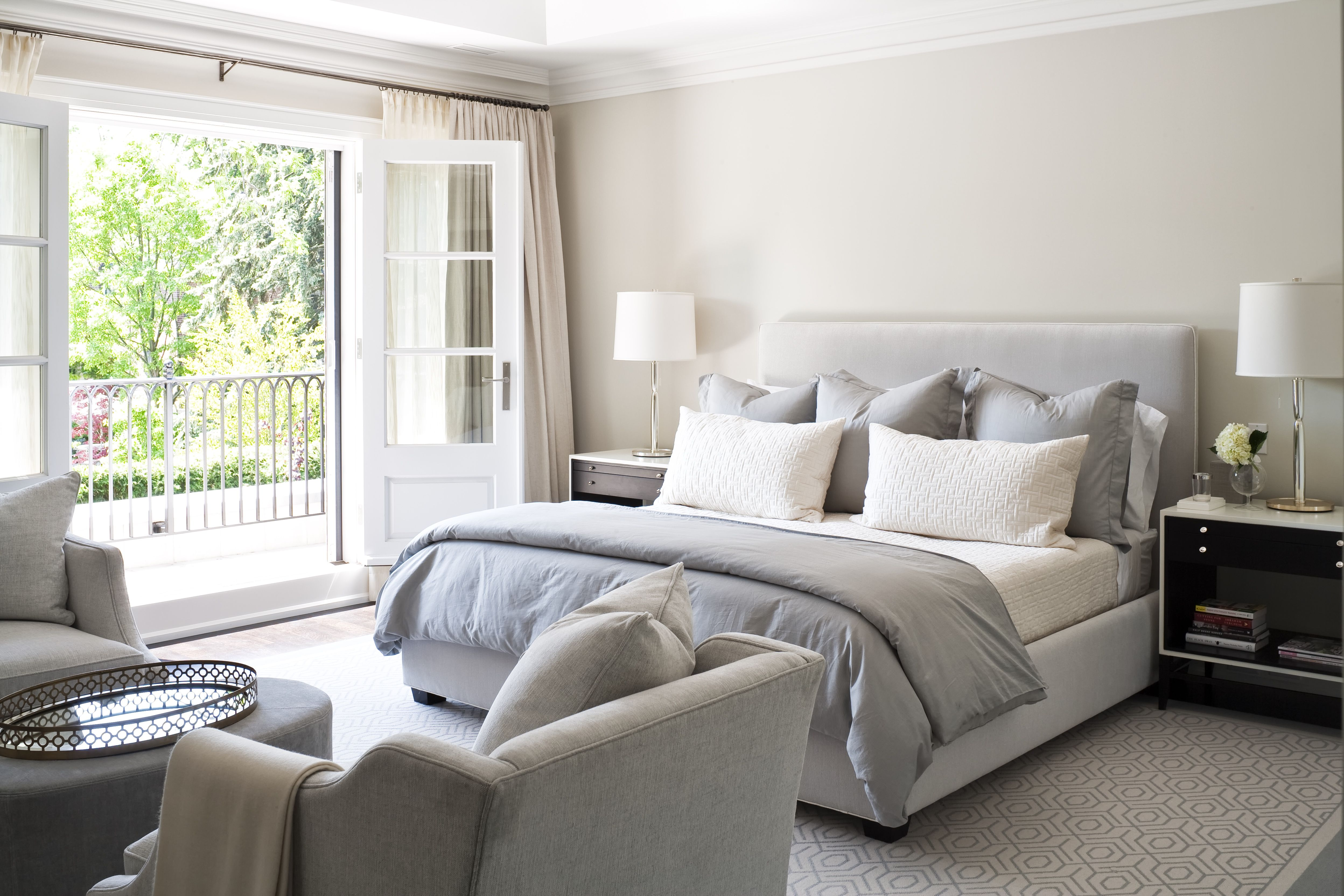 15 Gorgeous Master Bedrooms with Outdoor Spaces