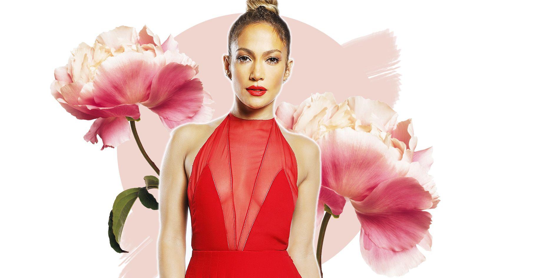 Jennifer Lopez oggi è più in forma che mai e i suoi addominali la eleggono a eroina dei due mondi