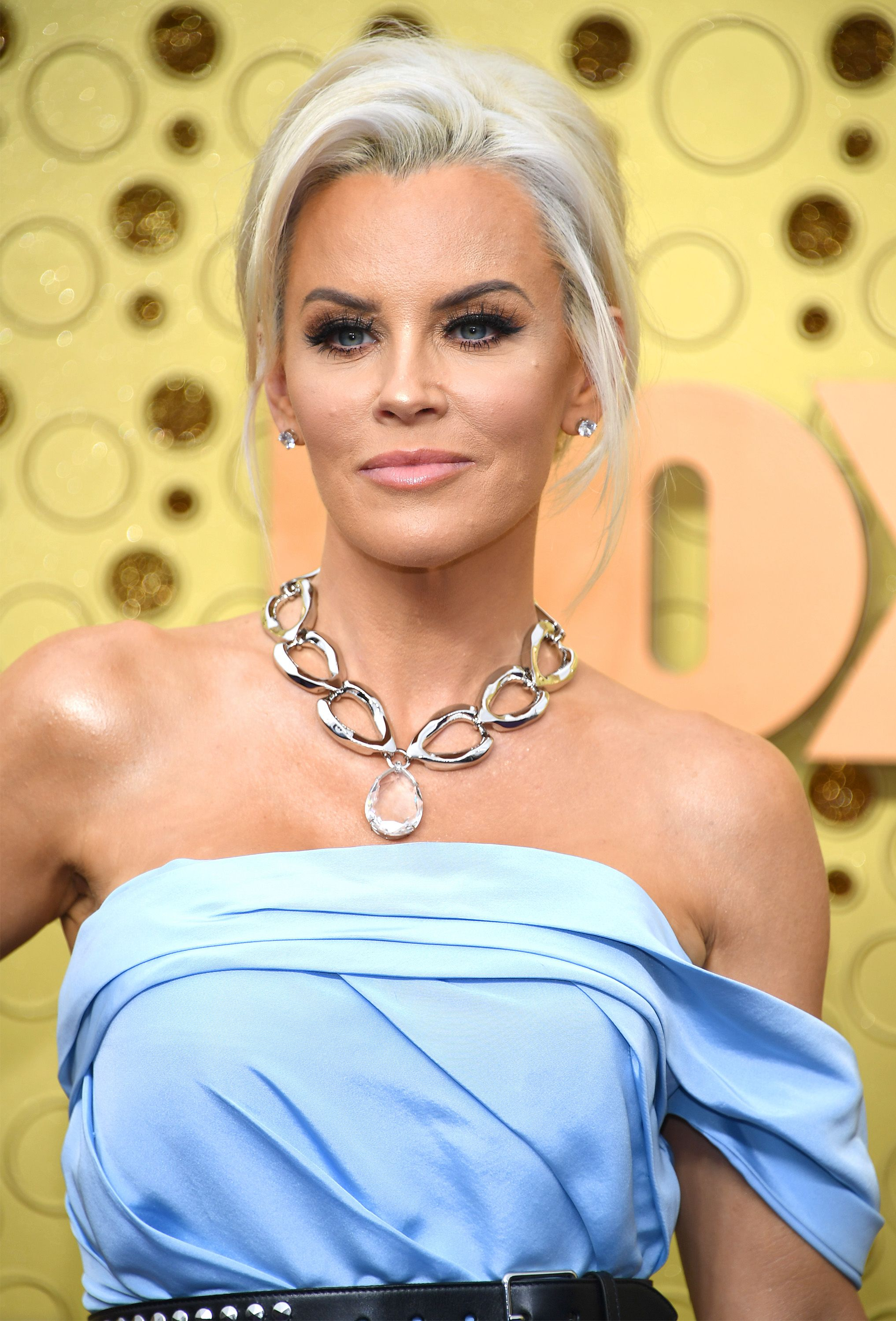 Er, Twitter Is Absolutely Dragging Jenny McCarthy's Emmys Interview With Christina Applegate