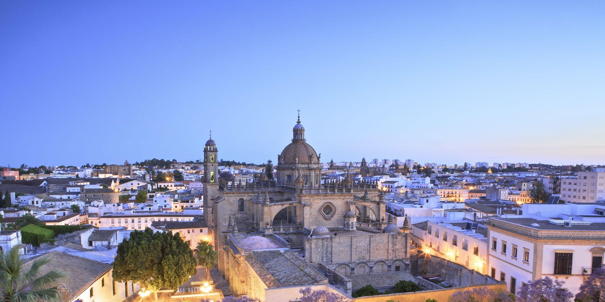 Qué ver en Jerez: Mapa de sus vinos y mejores hoteles, restaurantes, flamenco y caballos