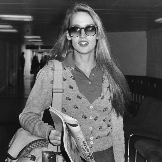 jerry hall at heathrow airport, 1979
