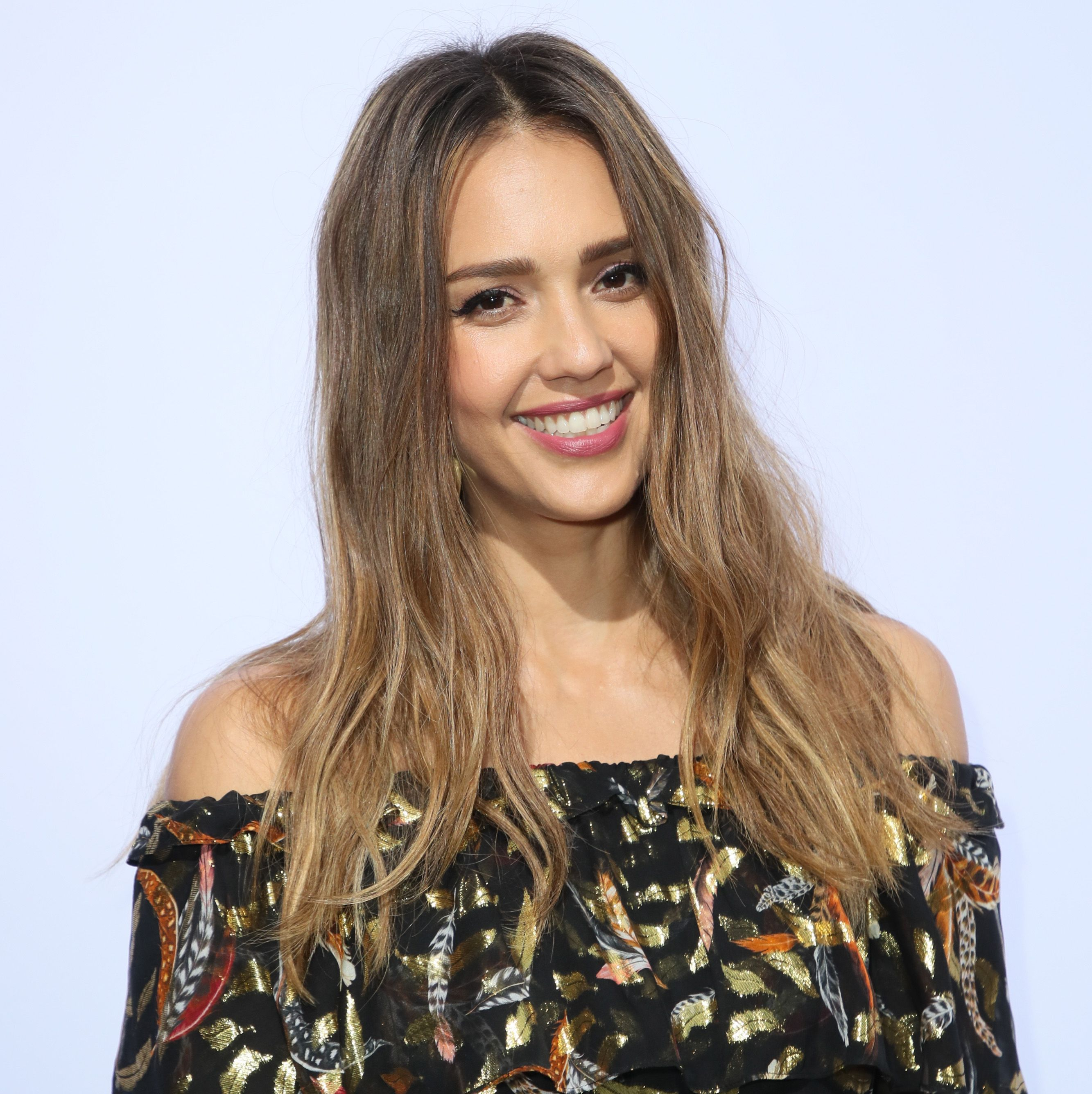 Hairstyles for Oval Faces - Long Tousled Waves