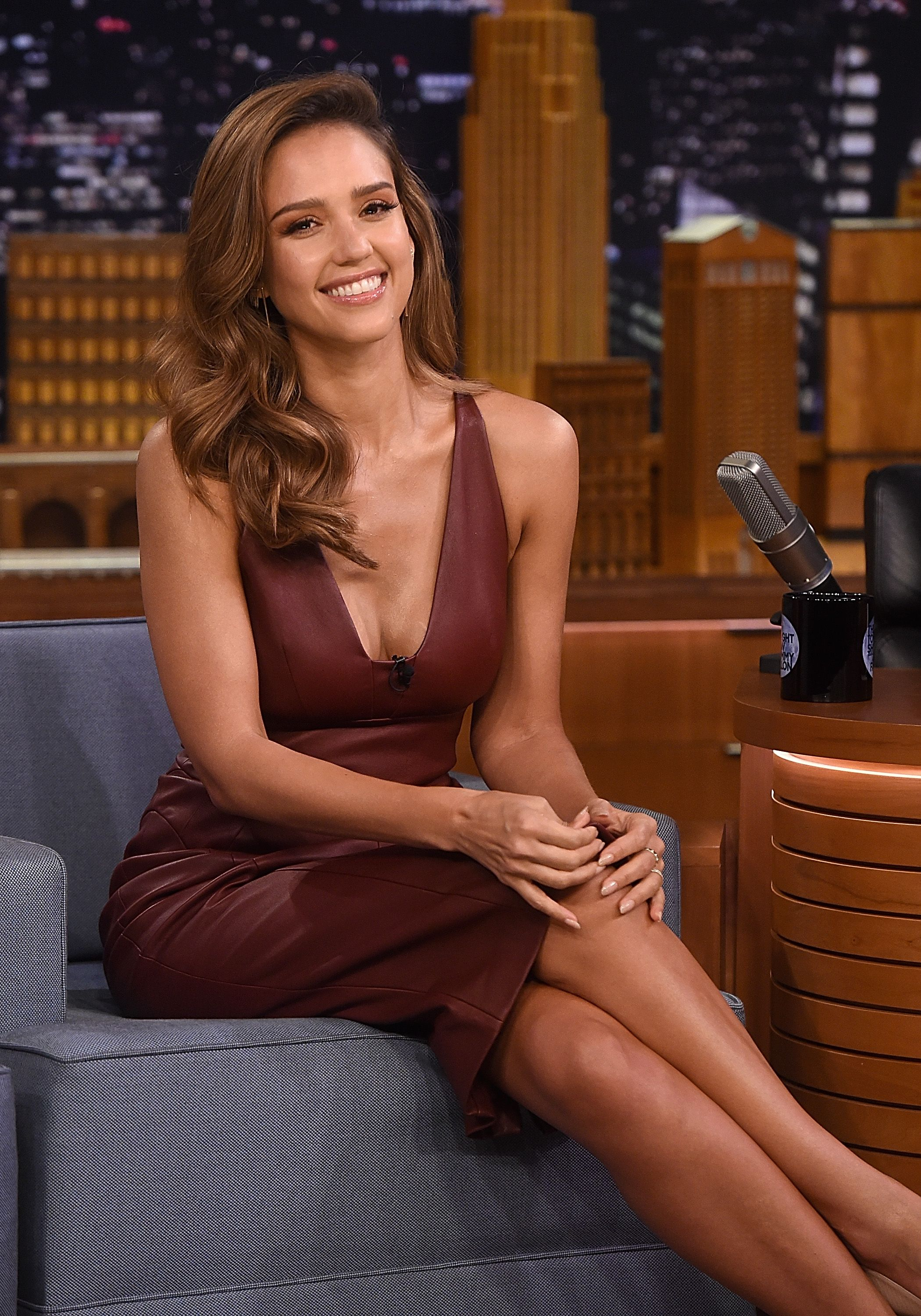 30 health tips Jessica Alba lives by for a toned figure and glowing skin