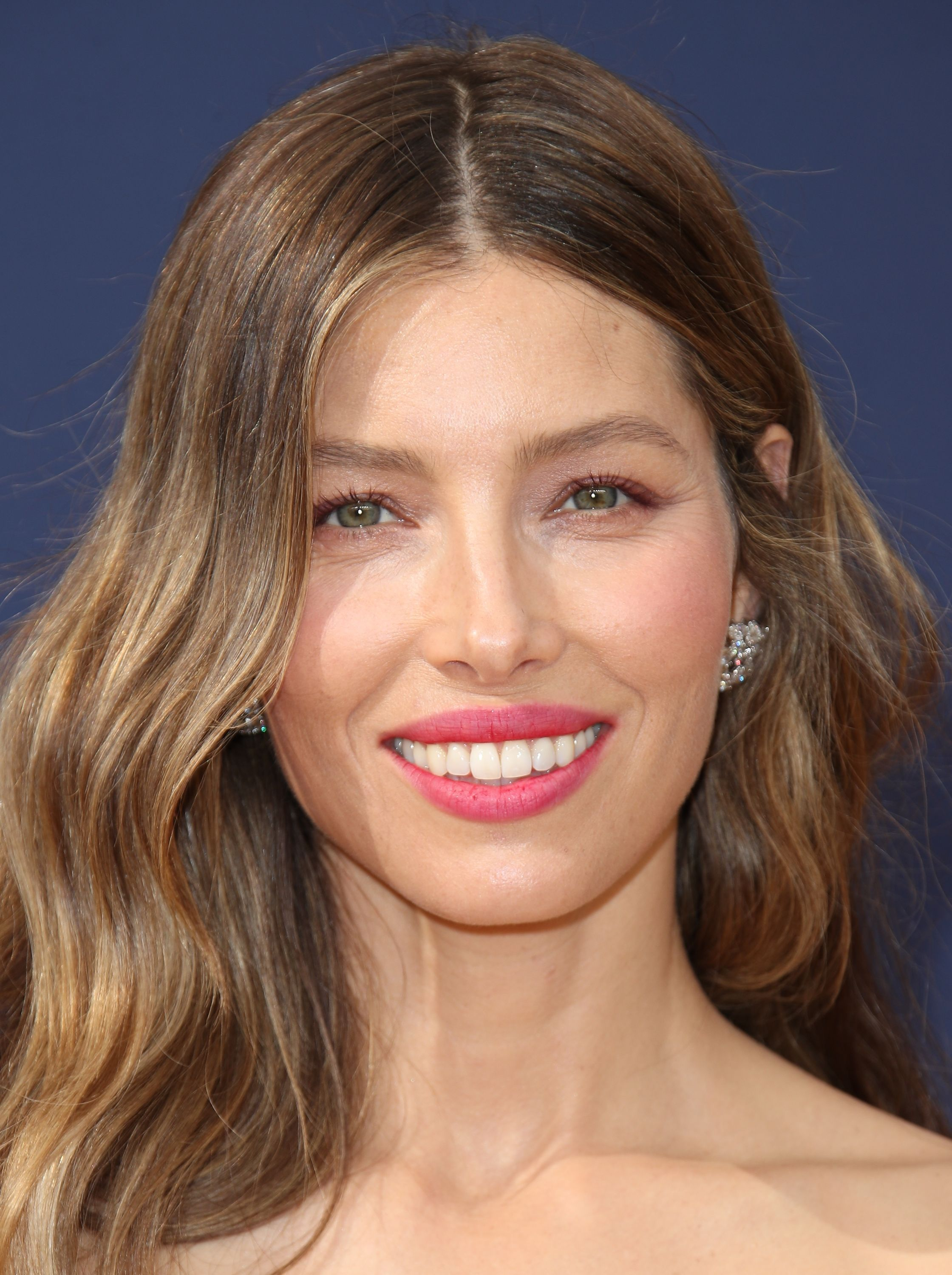 Jessica Biel Just Posted A Gorgeous No-Makeup Selfie To Promote Self-Love