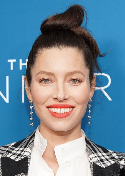 jessica biel brown hair with highlights