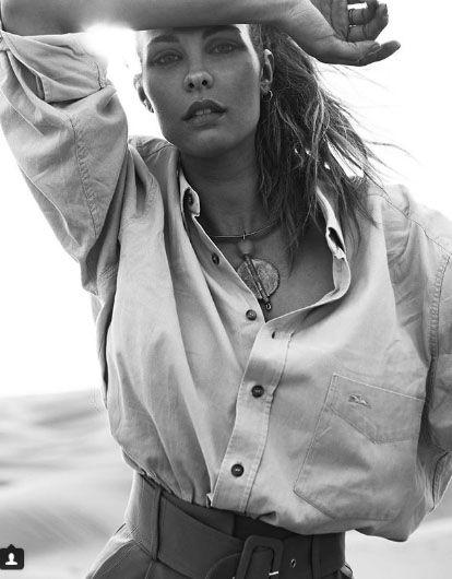 White, Beauty, Black-and-white, Photo shoot, Model, Photography, Long hair, Monochrome, Abdomen, Outerwear,