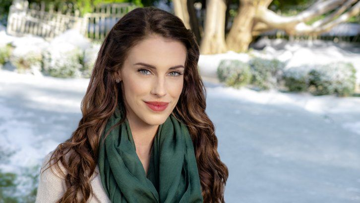 Christmas At Pemberley Manor Cast.Here S Why Jessica Lowndes Of Hallmark S Christmas At