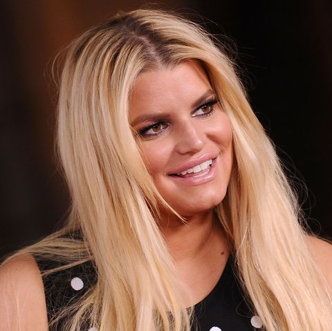 76d3a52dc Jessica Simpson's 10 Year Challenge Photo Compares Her Swollen Feet