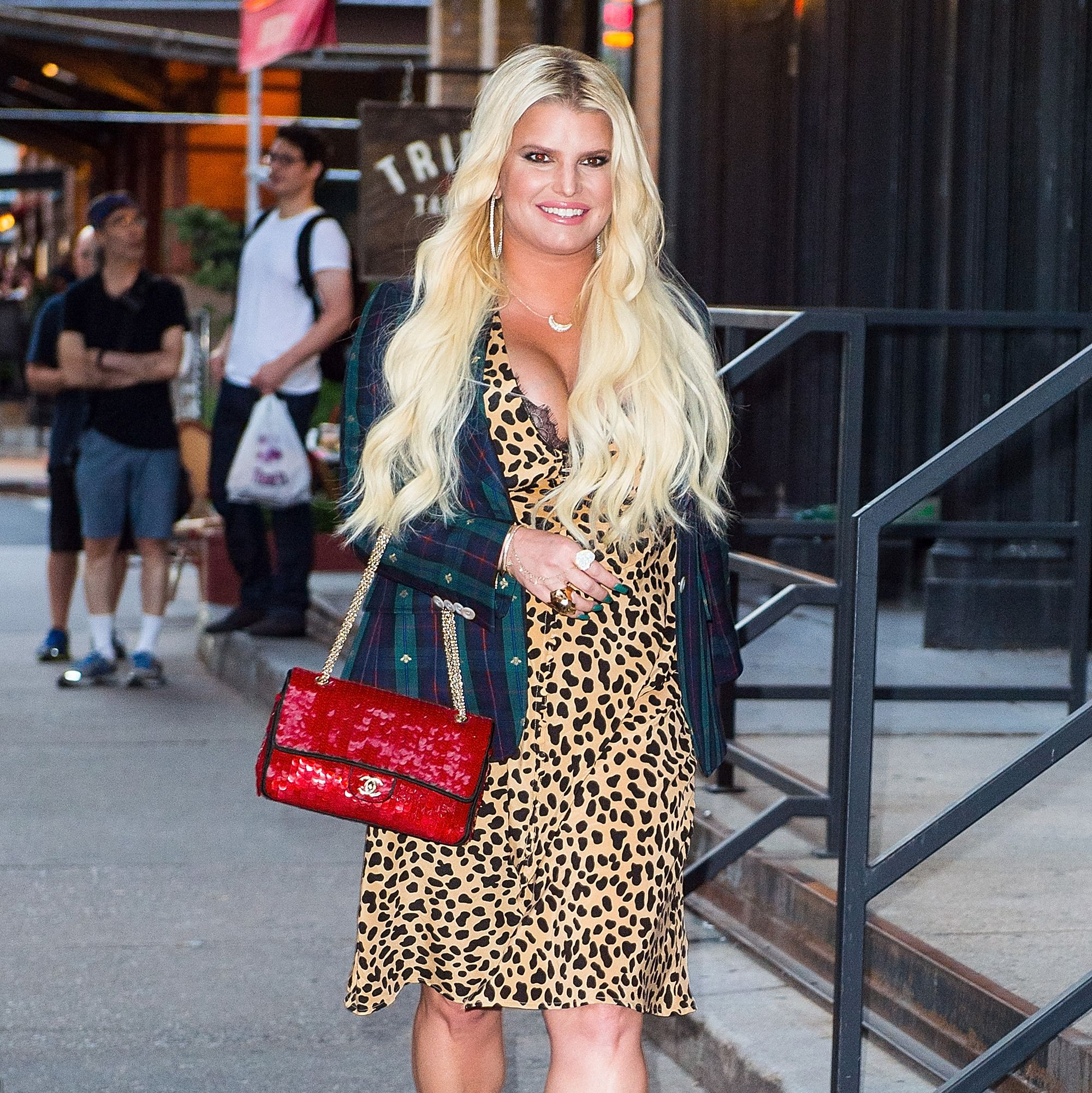 Jessica Simpson Shared A Controversial Karl Lagerfeld 'Diet Goals' Tribute
