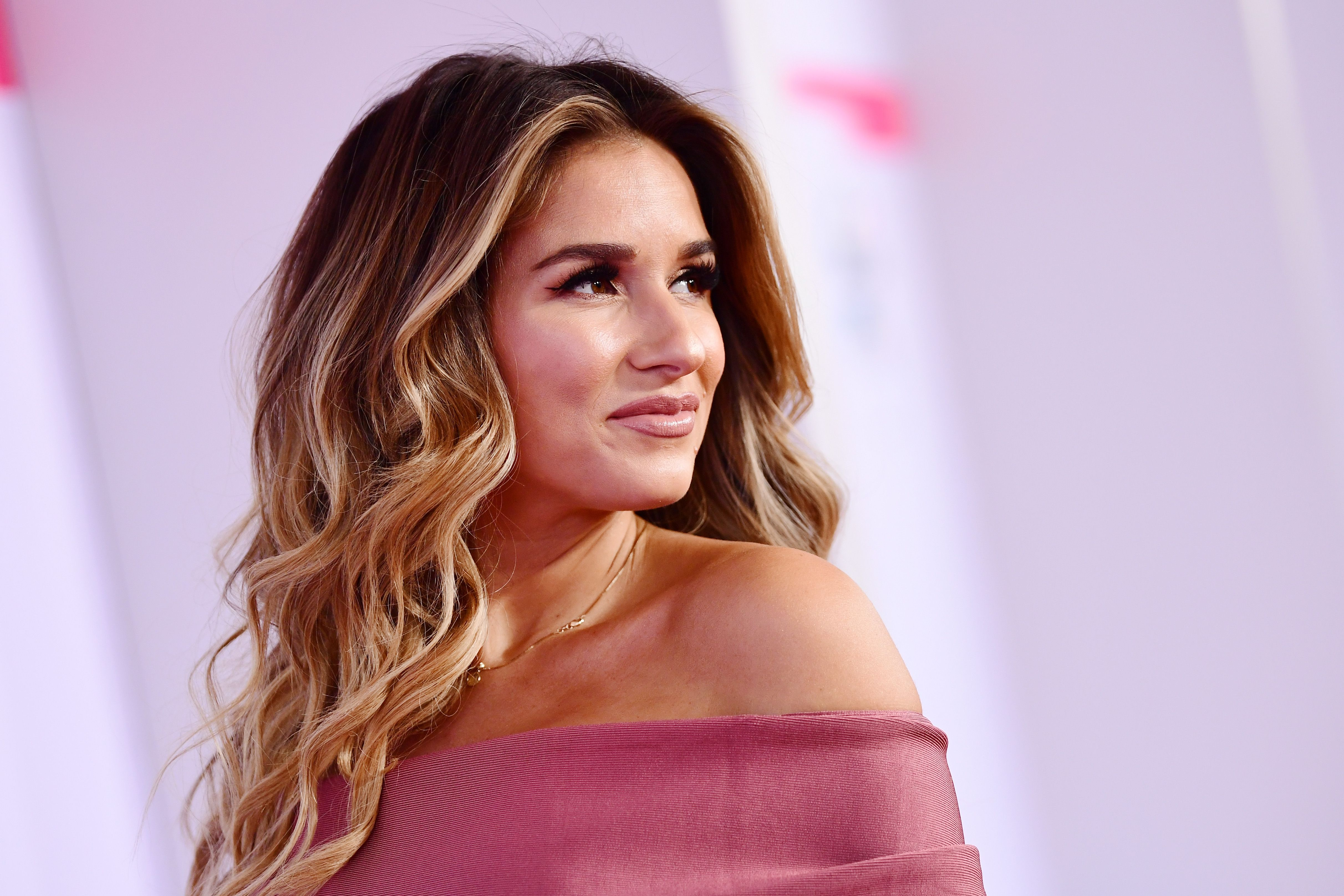 Jessie James Decker Shamed Online for Photo of Daughter - Country ...