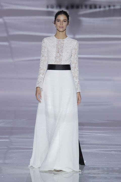 Fashion model, Fashion show, Fashion, Clothing, Runway, Dress, White, Haute couture, Gown, Neck,