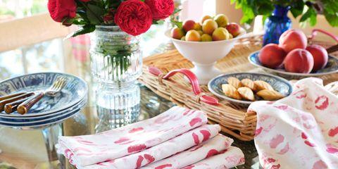 Food, Table, Brunch, Picnic, Meal, Tablecloth, Cuisine, Linens, Textile, Dish,