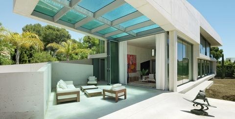 Una Casa Con Piscina Piscina Suspendida En El Aire Una Casa De