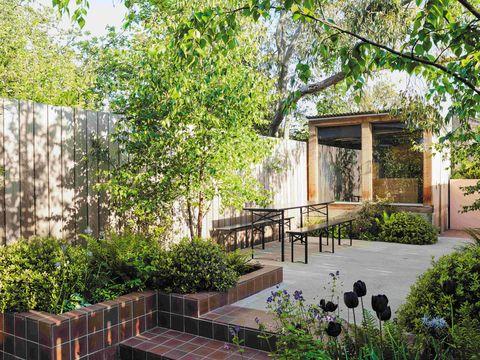 Small urban garden idea in East London