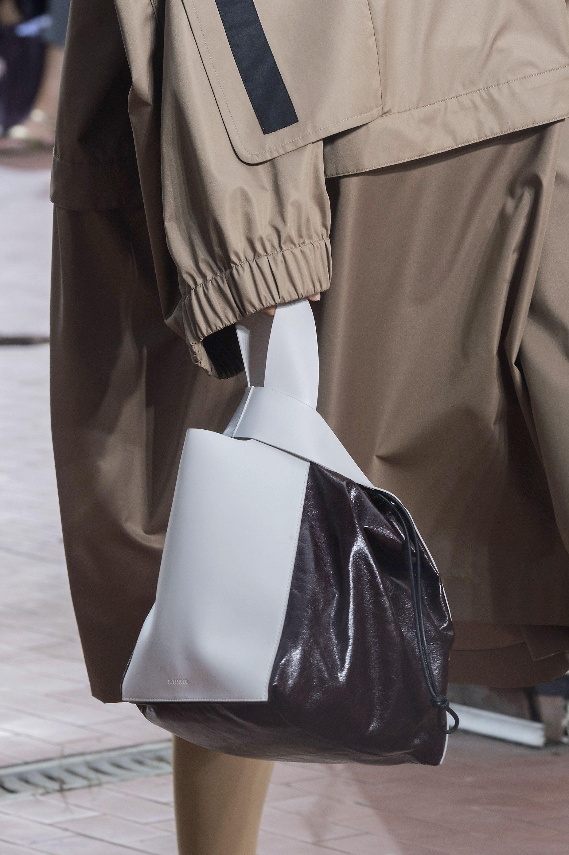 Best Spring 2019 Bags On The Runway - Spring 2019 Bag Trends 3803232751