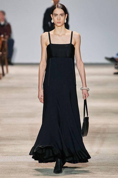 Fashion model, Fashion show, Runway, Fashion, Clothing, Dress, Shoulder, Haute couture, Gown, Event,