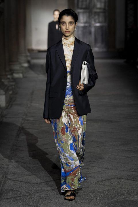 Fashion, Clothing, Fashion model, Suit, Street fashion, Blazer, Fashion show, Formal wear, Runway, Outerwear,