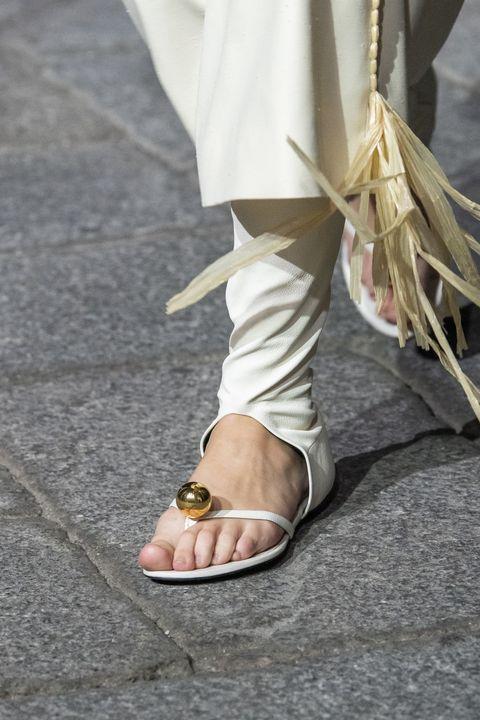 sandali 2020, sandali bassi 2020, infradito 2020, sandali bassi primavera estate 2020, moda scarpe 2020, moda sandali 2020