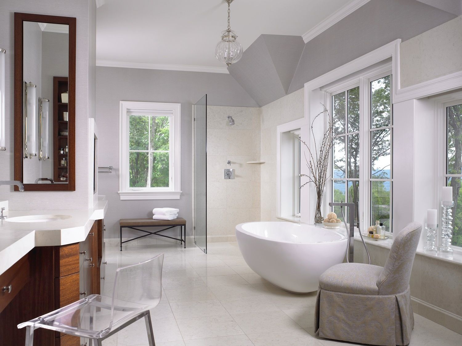 image & 30 Perfect Bathrooms with Luxurious Curved Tubs - Round Bathtub Ideas