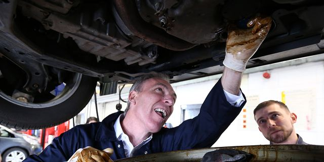 jim murphy speaks at the honda car plant in paisley