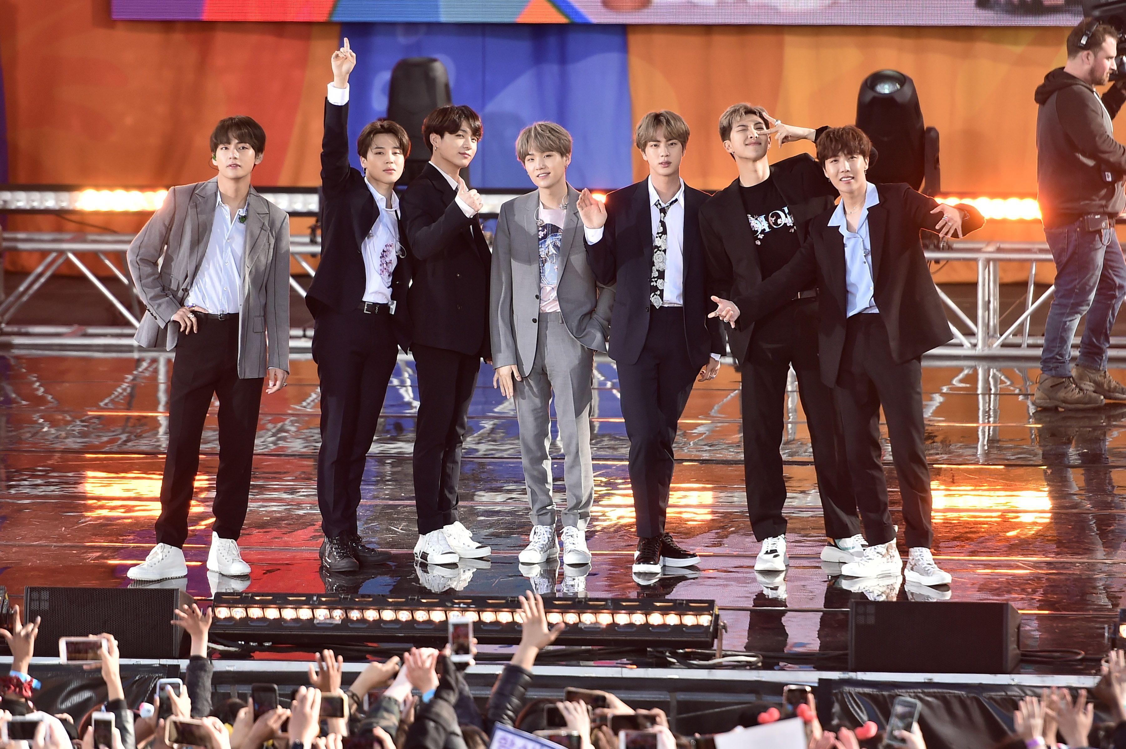 V, Jimin, Jungkook, Suga, Jin, RM, J-Hope