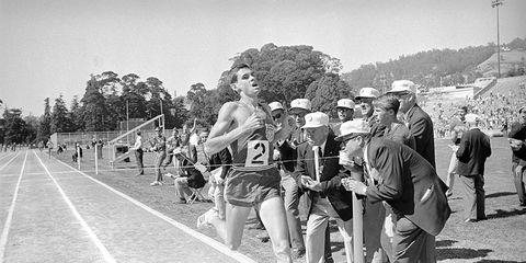 Jim Ryun breaks one-mile world record