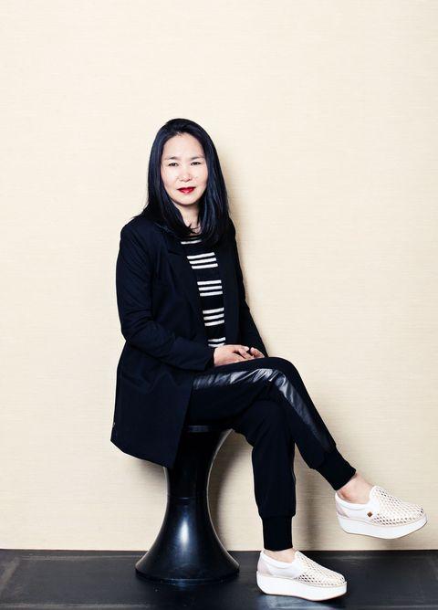 Sitting, White, Black, Beauty, Footwear, Standing, Fashion, Leg, Shoe, Knee,