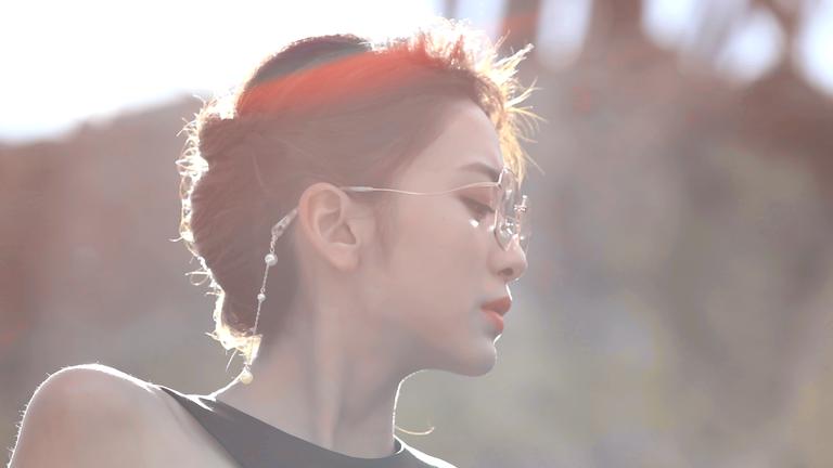 眼鏡專用耳環吊飾!JINS夏日新時尚