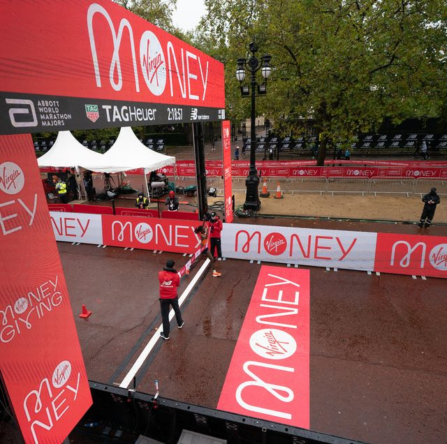brigid kosgei ken crossing the finish line as she wins the elite womens race of the historic elite only virgin money london marathon taking place on a closed loop circuit around st jamess park in central london on sunday 4 october 2020  photo jed leicester for virgin money london marathon  for further information medialondonmarathoneventscouk