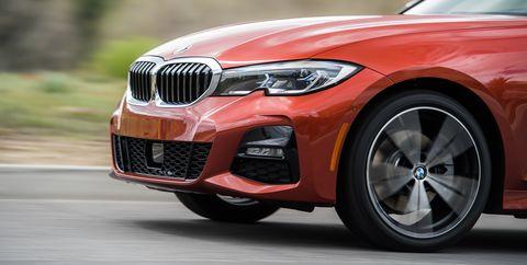 Land vehicle, Vehicle, Car, Motor vehicle, Alloy wheel, Luxury vehicle, Personal luxury car, Bmw, Automotive design, Rim,