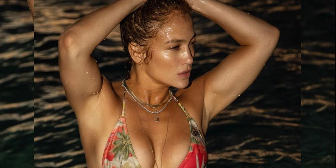 Jennifer Lopez Shows Off Her Sculpted Abs in a Jaw-Dropping Bikini Photo