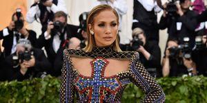 Jennifer Lopez zweert bij cannabis-oogcrème